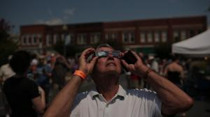 Look Up Eclipse,Photo Reuben Bloom of Charlotte, in downtown Laurens